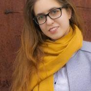Pinczés Marianna – Magos labda egy kislánynak…